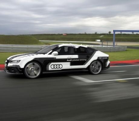 Беспилотный автомобиль от Audi поставил рекорд на Хоккенхаймринг